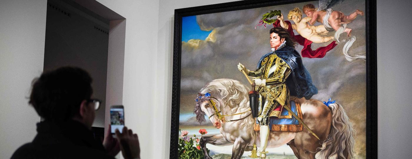 Quadro de Michael Jackson pintado por Kehinde Wiley está em exposição em Paris - Philippe LOPEZ / AFP