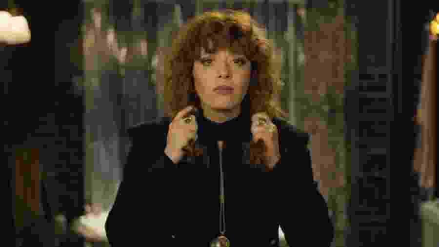 """Natasha Lyonne em """"Boneca Russa"""" - Reprodução/YouTube"""
