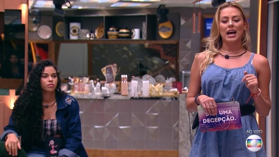 Elana e Isabella durante o jogo da discórdia - Reprodução/Globoplay