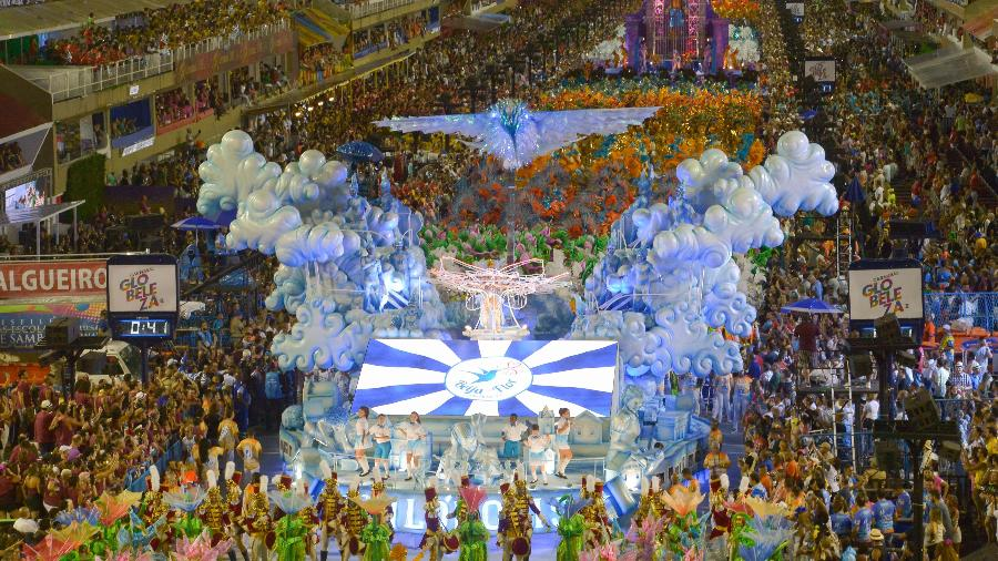Desfile da Escola de Samba Beija-Flor de Nilópolis na Marquês de Sapucaí em 2019 - Fábio Costa/Estadão Conteúdo