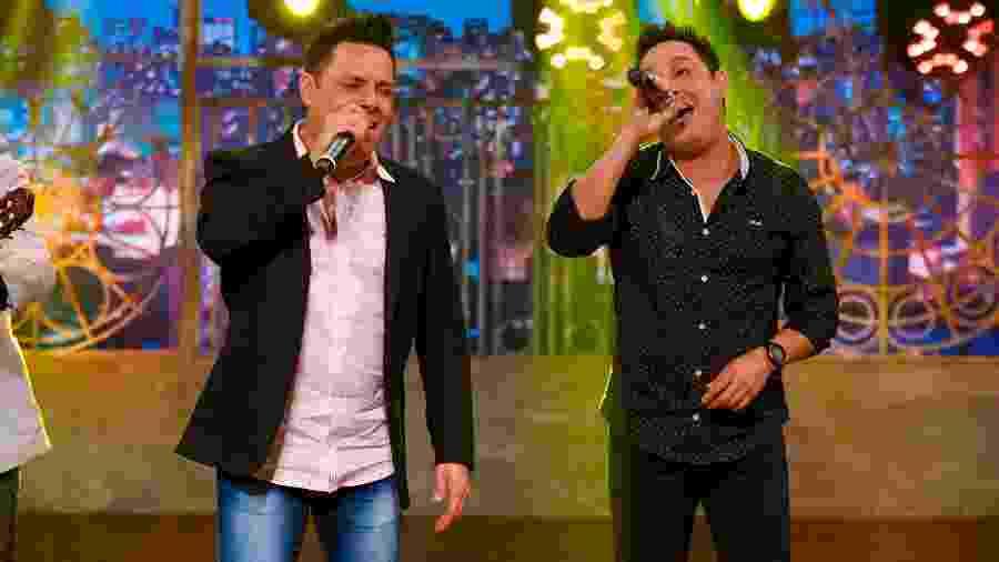 Vavá e Márcio cantam sucessos do Karametade no The Noite - Gabriel Cardoso/SBT