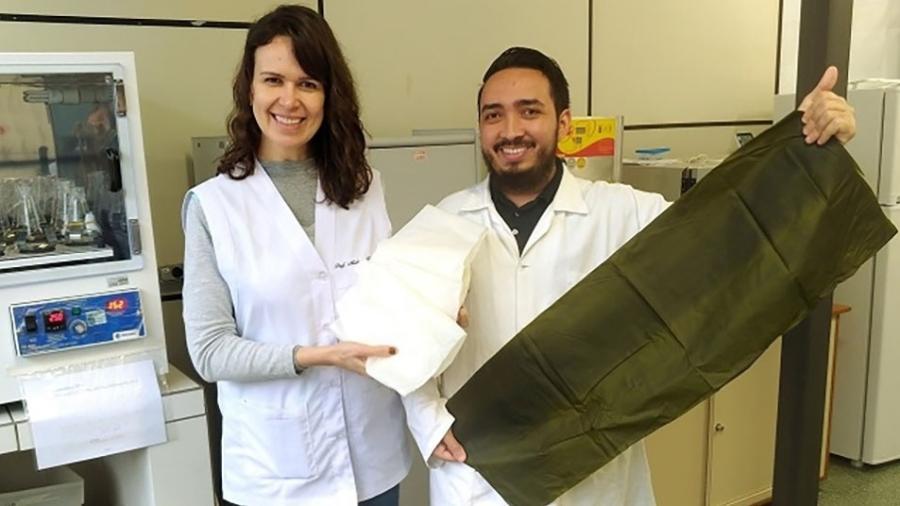 A professora Michele Rigon Spier e o estudante de mestrado Luis Alberto Gallo Garcia integram equipe de trabalho que desenvolveu formulações de plástico biodegradável  - Divulgação/UFPR