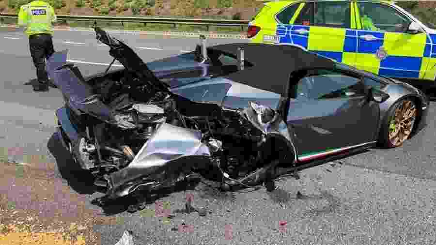 Lamborghini com apenas 20 minutos de uso é destruído após falha mecânica - Reprodução/Twitter/Richard Whiteley