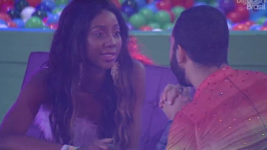 BBB 21: Camilla se emociona e elogia Gilberto - Reprodução/ Globoplay