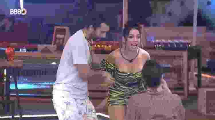 BBB 21: Juliette não aceita selinho triplo com Gilberto e Fiuk - Reprodução/Globoplay - Reprodução/Globoplay