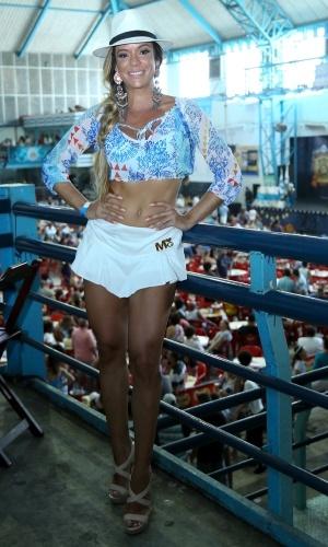 30.jan.2016 - A musa Denise Dias participa da feijoada da Unidos de Vila Isabel, que acontece na quadra da escola de samba, no Rio de Janeiro.