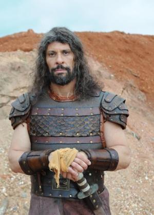 """Ator Milhem Cortaz interpreta Calebe, o melhor amigo de Josué em """"A Terra Prometida"""" - Munir Chatack/Record"""