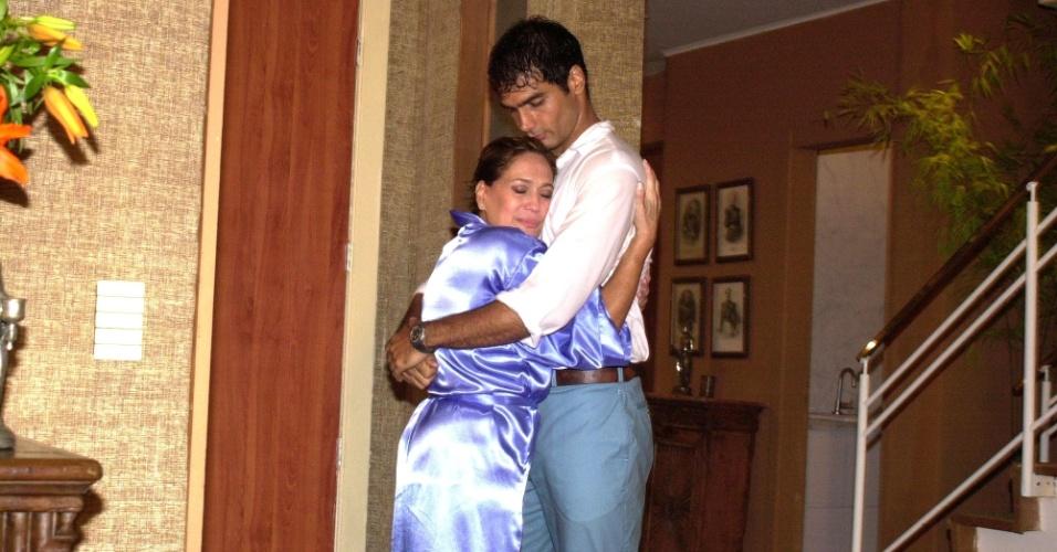 """Susana Vieira e Rafael Calomeni na novela """"Mulheres Apaixonadas"""" (2003)"""