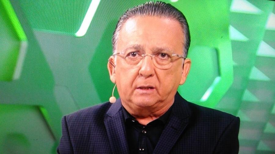 Galvão Bueno se emociona com a chegada dos corpos das vítimas do acidente com o avião que transportava a equipe da Chapecoense - Reprodução/Globo