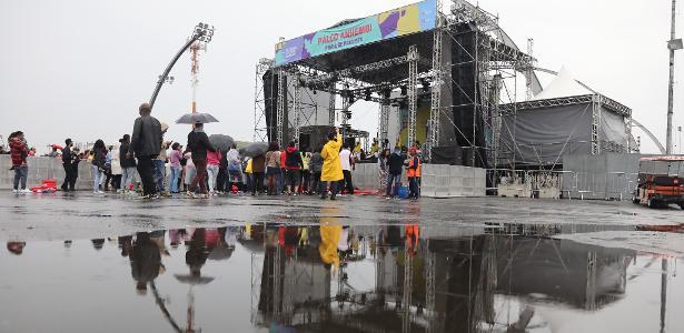 Público assiste ao show da banda Olodum no palco do palco do Anhembi da Virada Cultural 2017