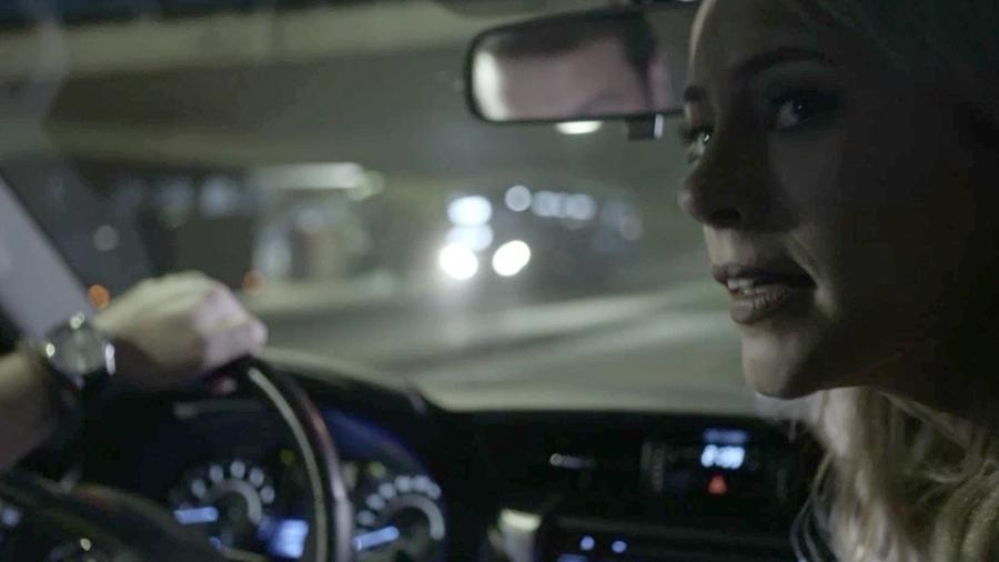 """Jeiza (Paolla Oliveira) presencia morte do parceiro em """"A Força do Querer"""" - Reprodução/GShow"""