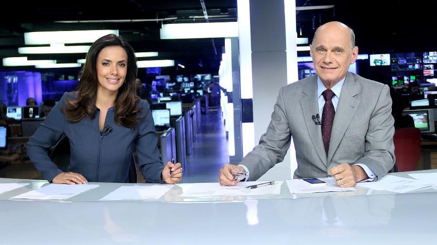 """Paloma Tocci  e Ricardo Eugênio Boechat na bancada do """"Jornal da Band"""" - RODRIGO BELENTANI/Divulgação"""