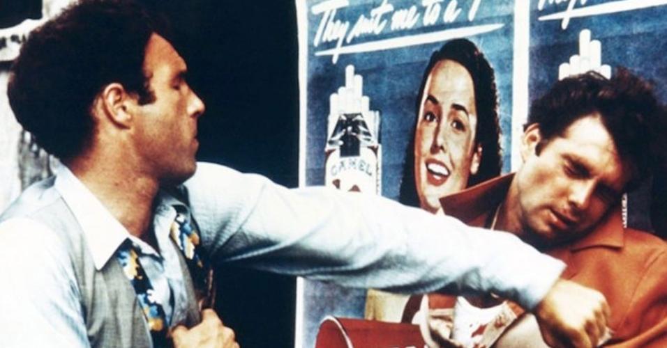 """James Caan e Gianni Russo em cena de """"O Poderoso Chefão"""" (1972)"""