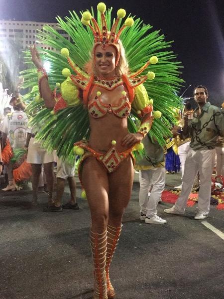 Noiva do cantor Latino, Jéssica Rodrigues faz sua estreia na Sapucaí - Divulgação