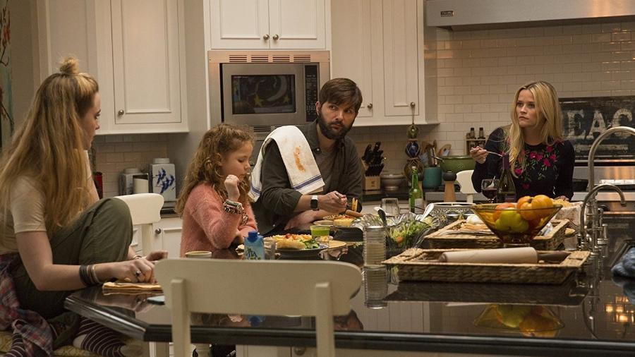 """Adam Scott como Ed McKenzie em cena da série da HBO """"Big Little Lies"""" - Divulgação"""