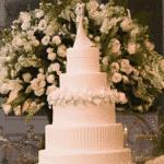 Aqui, o bolo no detalhe - Reprodução/Instagram