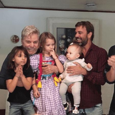 Reginaldo Faria comemora aniversário com filhos e netos - Reprodução/Instagram