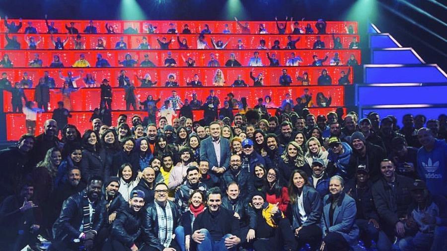 """É muita gente: Gugu grava novo programa em estúdio """"congestionado"""" - Reprodução/Twitter/rocarelli"""
