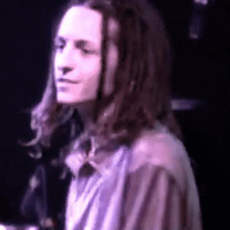 Chester Bennington em show da banda Grey Daze, nos anos 1990 - Reprodução/Facebook