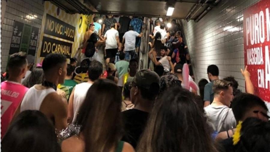 Metrô tem tido movimentação intensa no pré-Carnaval - UOL