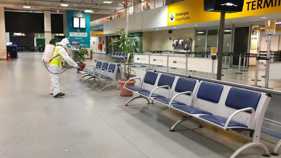 Aeroporto Internacional de Guarulhos é desinfectado durante a pandemia de coronavírus  - Divulgação