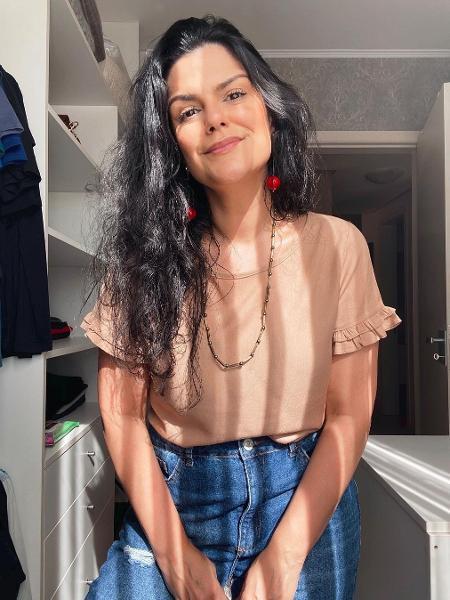 Marina escreveu um biografia inspirada nos piores perfis masculinos do Tinder - Reprodução/Instagram