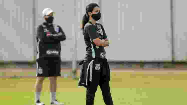 Ana entra em campo para atender os jogadores, quando necessário - Rodrigo Coca/Agência Corinthians - Rodrigo Coca/Agência Corinthians