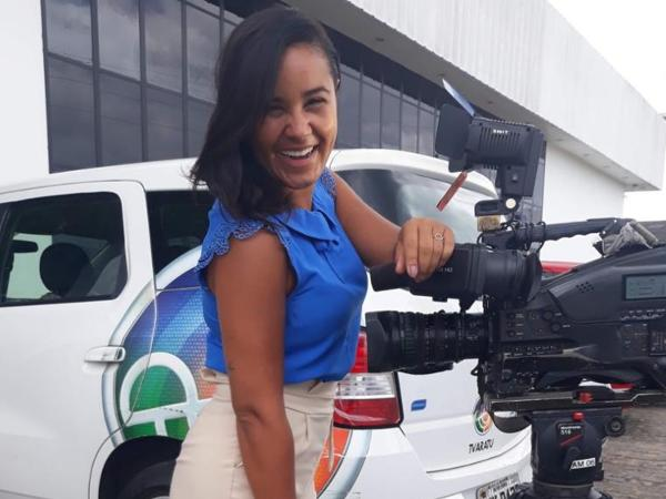 Driele Veiga, repórter da TV Aratu, foi chamada de 'idiota' pelo presidente Jair Bolsonaro