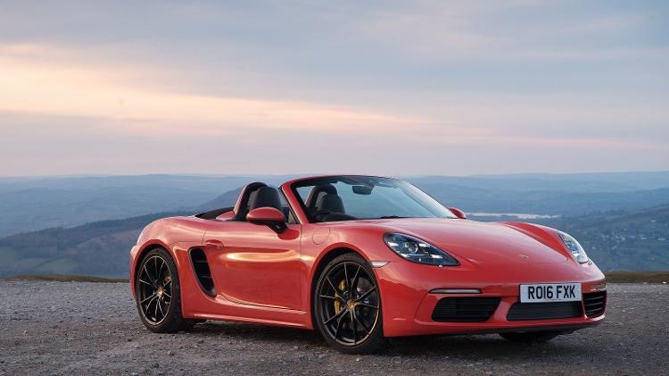 Zero, Porsche 718 Boxster como o ostentado por cantora não sai por menos de R$ 475 mil no Brasil - Divulgação - Divulgação
