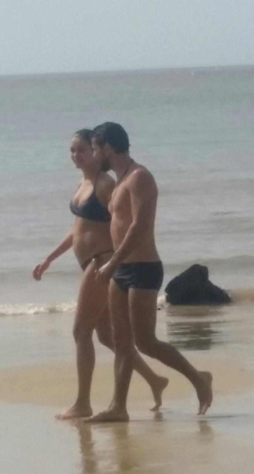 Grávida de quatro meses, Sophie Charlotte é fotografada com Daniel de Oliveira na Praia Paraíso,em Belém