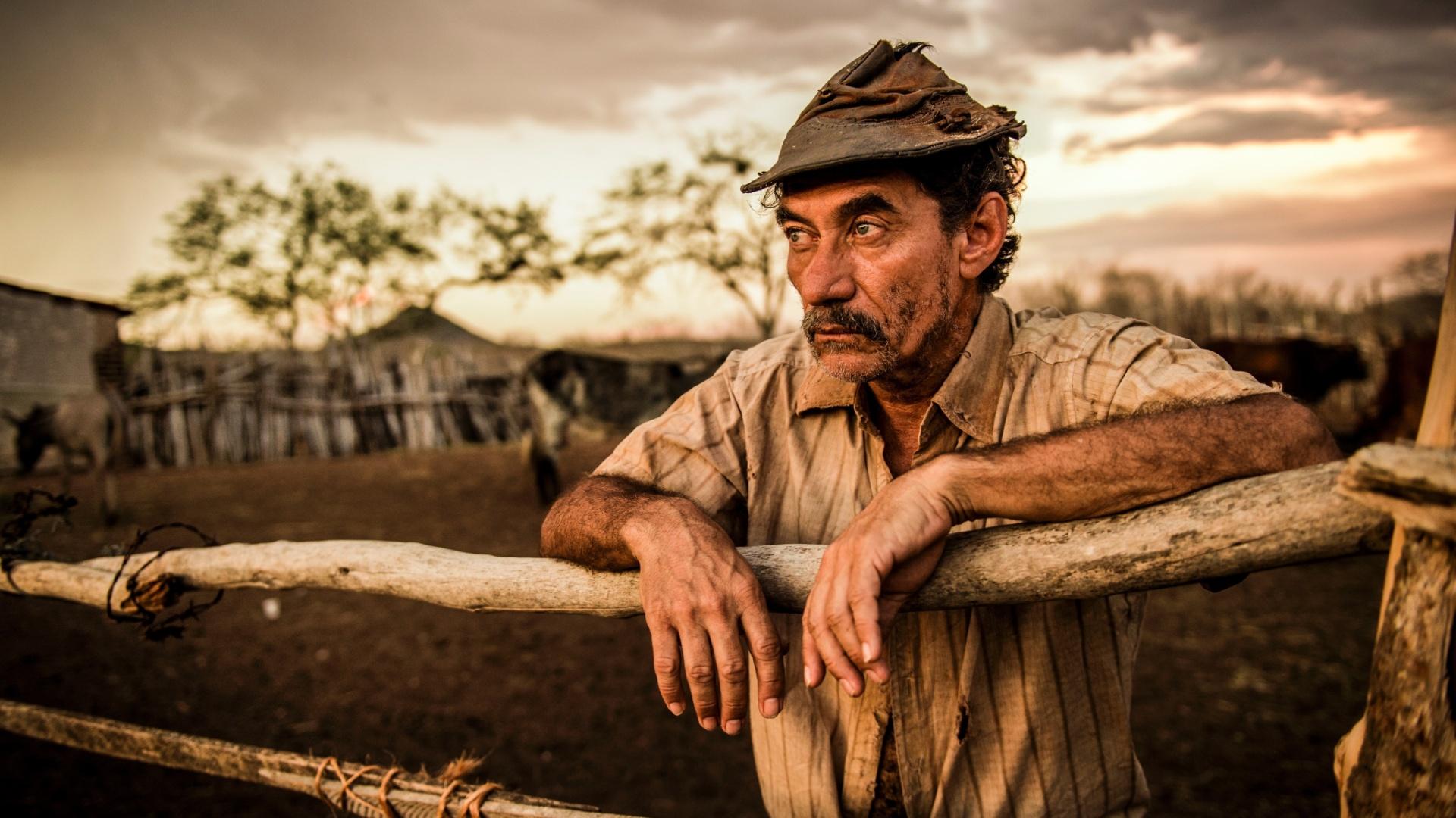 Chico Diaz, que interpretará o personagem Belmiro, em gravação da novela