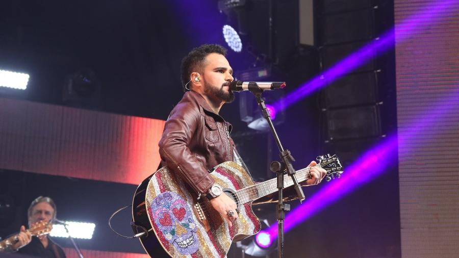 """Luciano, dupla de Zezé Di Camargo, está cotado para o """"The Voice Kids"""" - AgNews"""