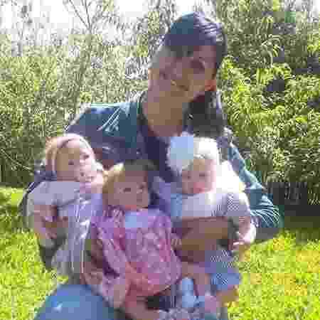 Sheila e suas bonecas - Arquivo Pessoal - Arquivo Pessoal