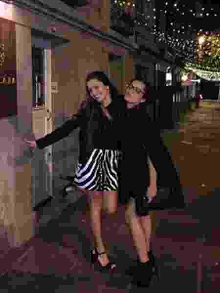 """Mayla e Emilly Araújo, gêmeas que concorrem a uma vaga no """"BBB17"""", posam juntas - Reprodução/Instagram/emillyaraujoc"""