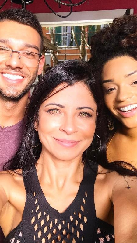 """Lucas Lucco, em seu primeiro dia de gravação de """"Sol Nascente"""", com Anna Lima e Juliana Alves - Reprodução/Instagram/annalima_real"""