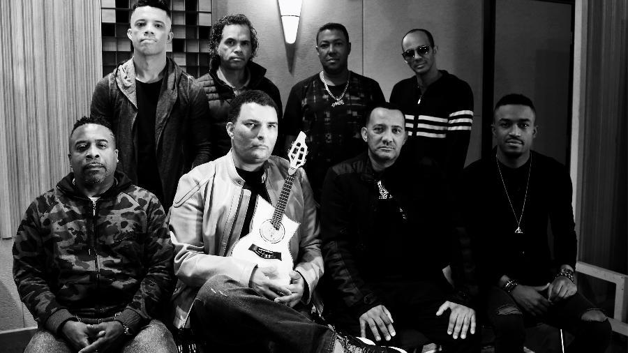 Após 13 anos, o grupo Art Popular está de volta com a formação original com Leandro Lehart e Marcio Art nos vocais - Divulgação
