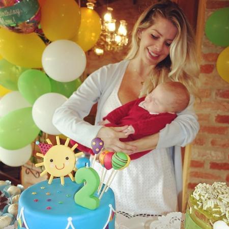 Karina Bacchi em festa com o filho, Enrico - Reprodução/Instagram