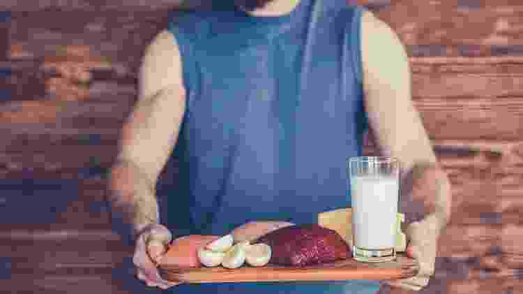 proteina; homem - iStock - iStock