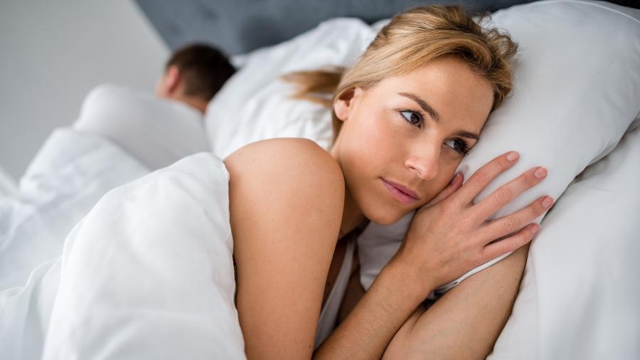 Mudanças hormonais e dificuldades de adaptação podem atrapalhar os planos do casal - Getty Images