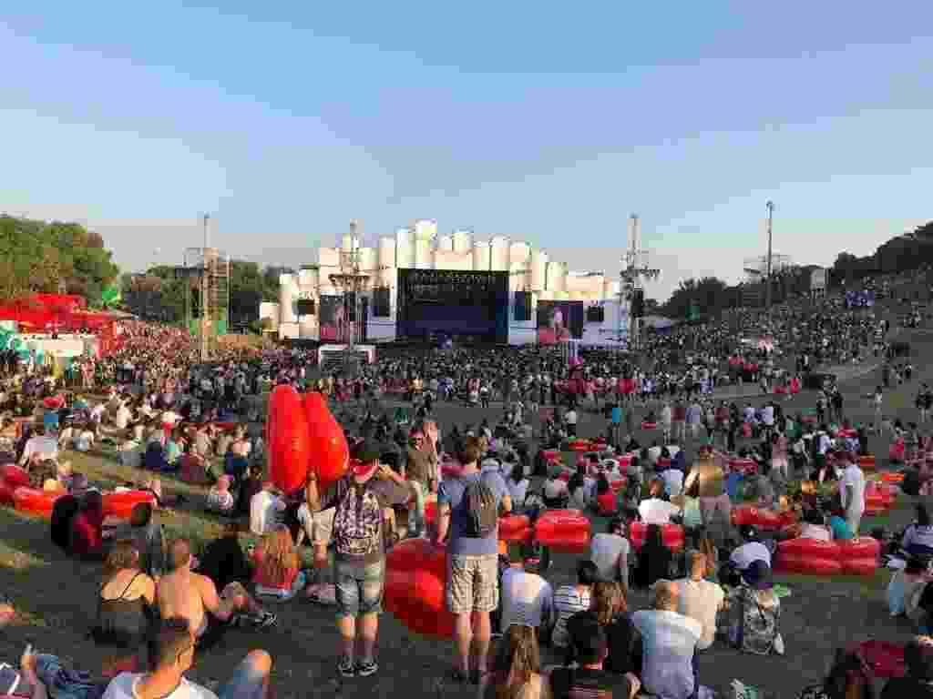 Público curte o primeiro dia do festival Rock in Rio Lisboa, em Portugal, no Parque Bela Vista - Felipe Branco Cruz/UOL