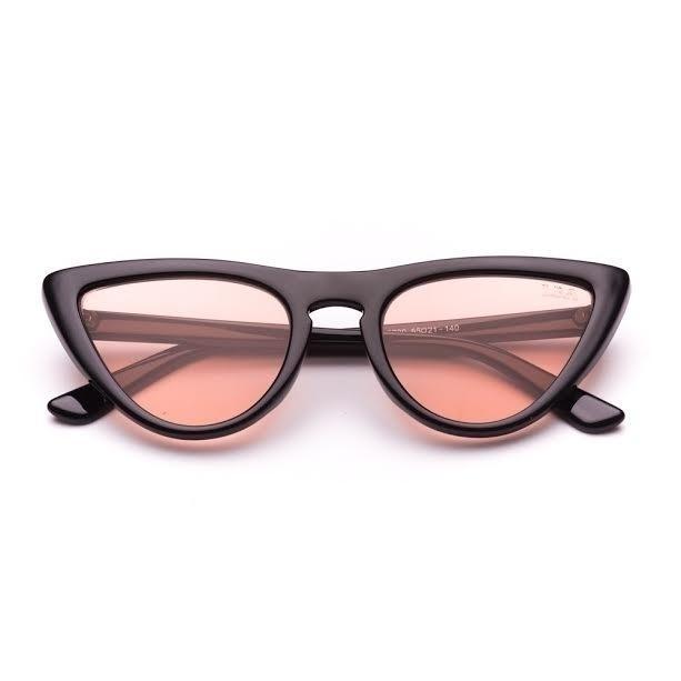 Tendências do verão 2019  aposte em óculos míni, com lente colorida ... 2fd1f5ba88