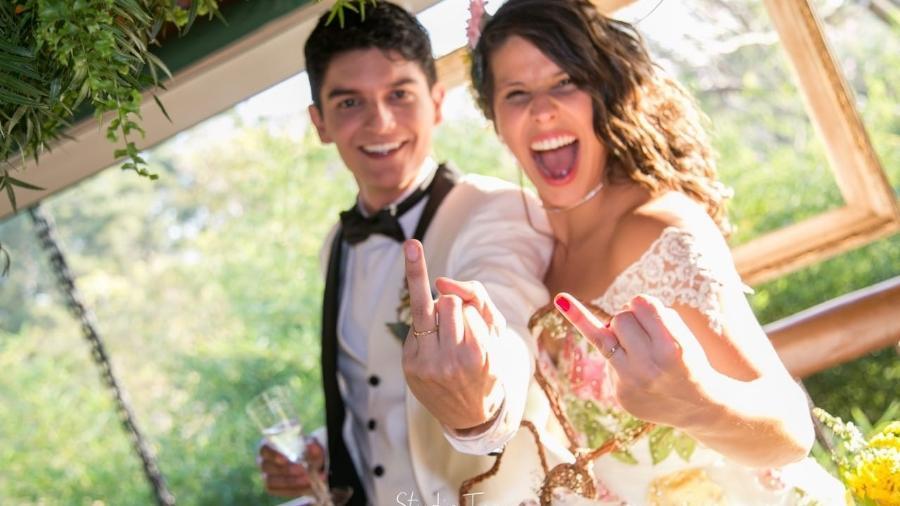 Elas casaram com o primeiro namorado -- e contam história de amor. É o caso de Marina e Caique (foto) - Arquivo pessoal