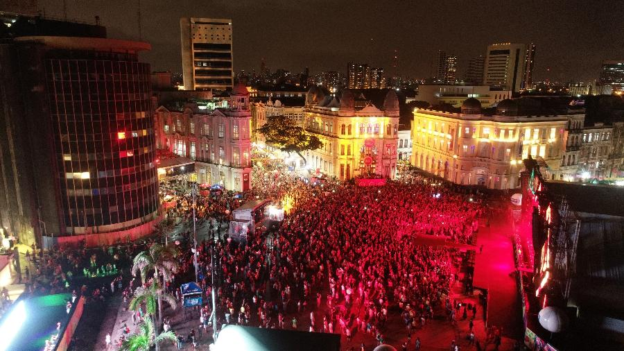 Vista aérea do Marco Zero do Recife durante a abertura oficial do Carnaval 2019 - Arnaldo Carvalho/JC Imagem/Estadão Conteúdo
