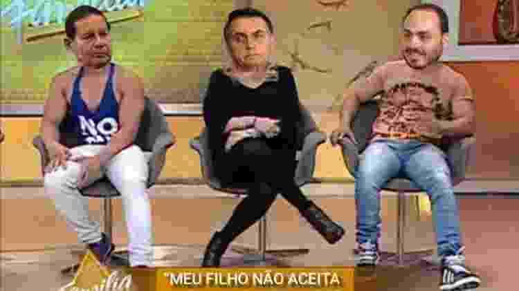 """Treta de Carlos, filho de Jair Bolsonaro, com vice-presidente Mourão virou meme do """"Casos de Família"""" - Reprodução/Twitter - Reprodução/Twitter"""