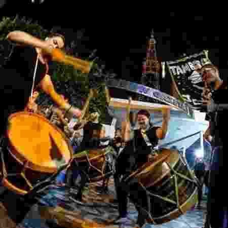 Mobilização em frente à TV Gazeta, em Maceió: jornalistas fizeram greve contra redução de salários - Divulgação / Jon Lins / SindJornal