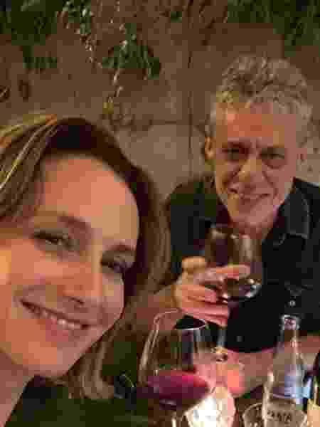 Chico Buarque e a namorada Carol Proner - Reprodução/Instagram