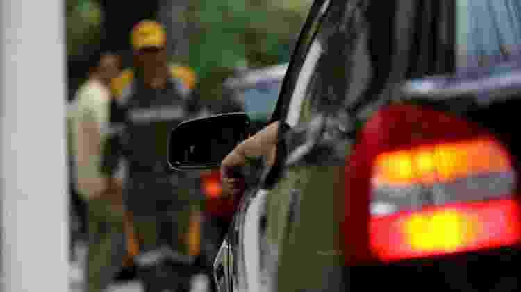Pisca-alerta carro veículo estacionado estacionamento - Marcelo Justo/Folha Imagem - Marcelo Justo/Folha Imagem