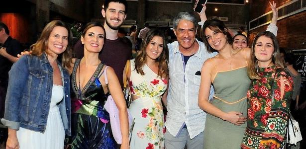 Rio de Janeiro | Fátima faz foto com Bonner e sua atual mulher após evento