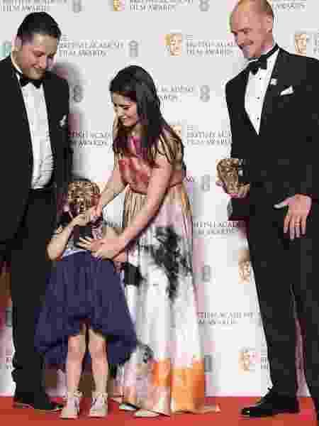 "Waad al-Kateab e Edward Watts levaram o prêmio de Melhor Documentário por ""Para Sama"" - Toby Melville/Reuters"