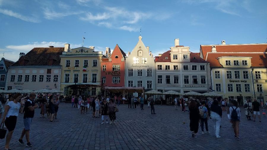 Apesar de hub tecnológico, Tallinn, capital da Estônia, tem um dos centros medievais mais bem preservados da Europa - Fernanda Ezabella